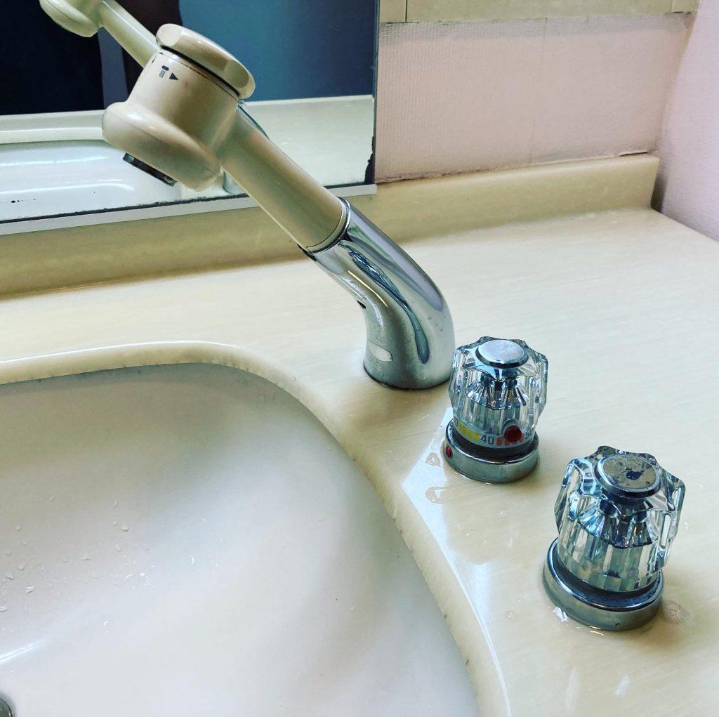 宇治市羽戸山のお客様宅での洗面水栓交換工事🚰